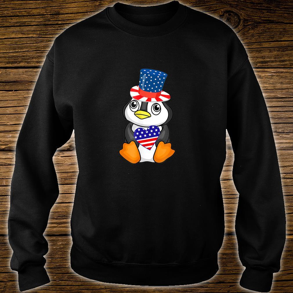 Cute Patriotic Penguin Holding US Flag Heart 4th of July Shirt sweater
